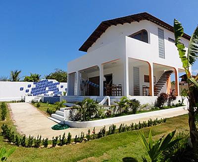 Melucia house canoa quebrada for Casa moderna zurigo