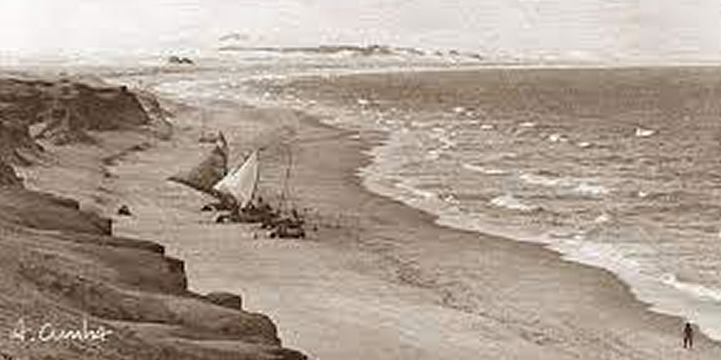 Canoa Quebrada - foto antiga das falésias